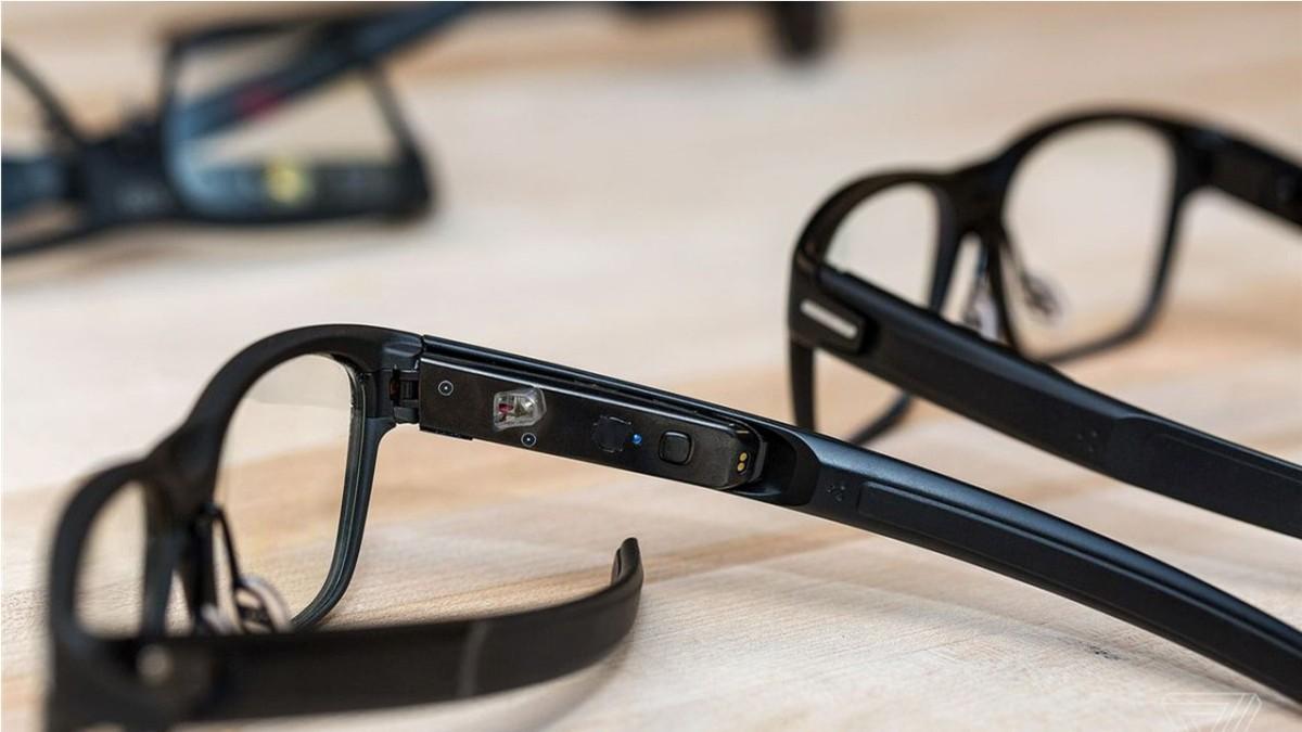 El valor de la simplicidad en los wearables, el ejemplo de las gafas Vaunt deIntel